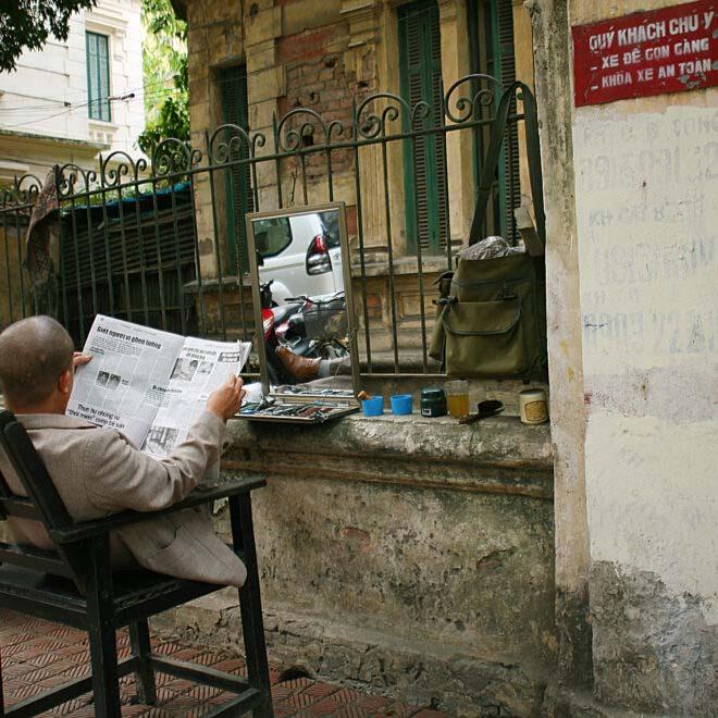 Street-Barber-Hanoi